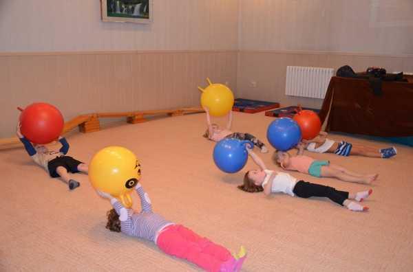 Упражнения на фитболе для ребенка 3 лет