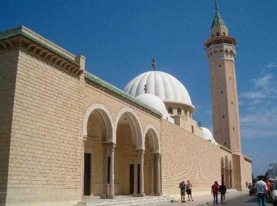 монастир фото города